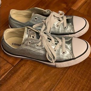 Girls size 3 Converse Great shape